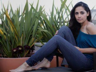 Nishi Munshi Net Worth, Earnings, Salary, Dating, Boyfriend, Height, Age, Facts, Wiki-Bio
