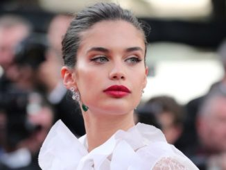 Sara Sampaio Bio - Age, Net Worth, Height, Body Measurements, Career, Relationship, Family