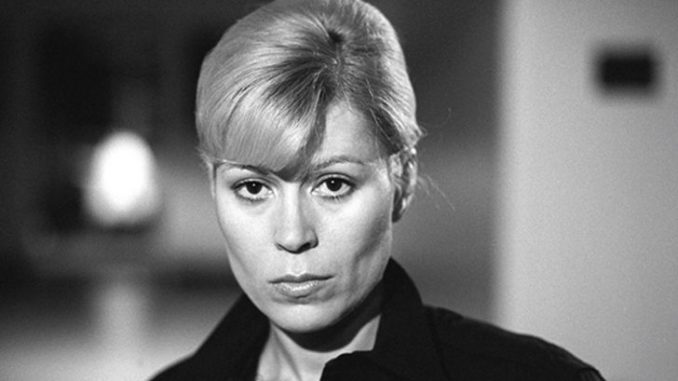 Leslie Easterbrook has an estimated net worth of $3 million.