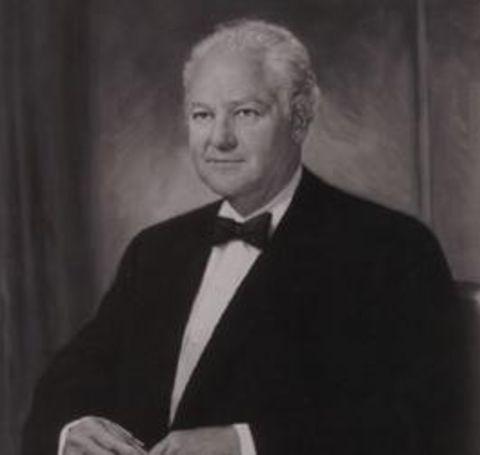 Ava Hunt great-grandfather was Haroldson Lafayette Hunt Jr.