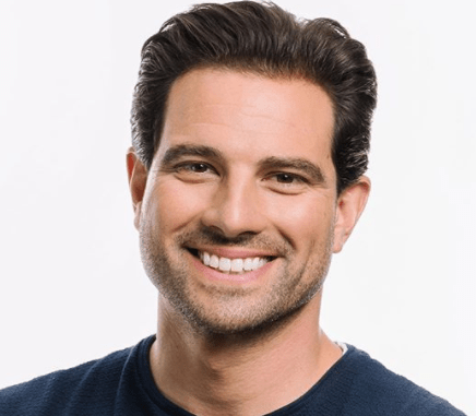 Scott McGillivray Wiki, Bio 2020, Net Worth, House, Family, Wife, Children, Parents,