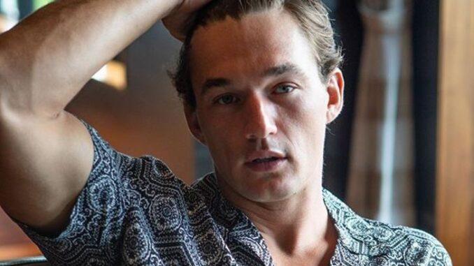 Tyler Cameron Bio, Dating, The Bachelorette, Net Worth, Modeling