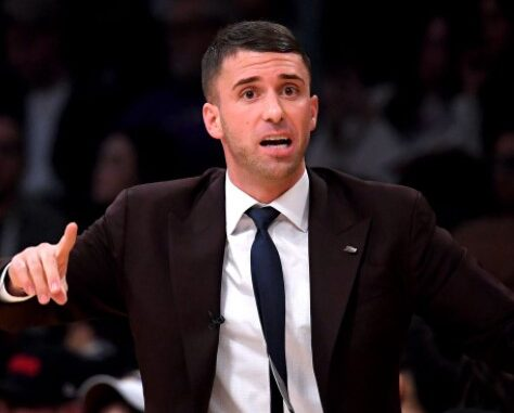 Ryan Saunders Bio, Wife, Salary, Net Worth 2021, Father, Married, Girlfriend, Family, Instagram, Twitter