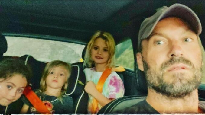 Noah Shannon Green with his father and siblings in his dad's car