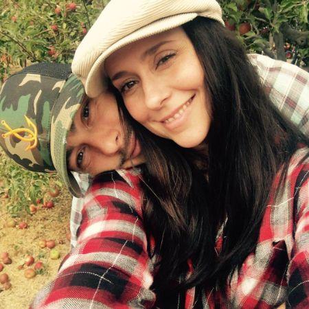 Jennifer Love Hewitt with her husband Brian Hallisay.