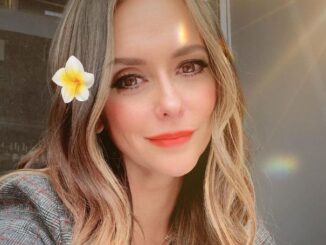What Is the Net Worth of Jennifer Love Hewitt ? Who Is Her Husband?