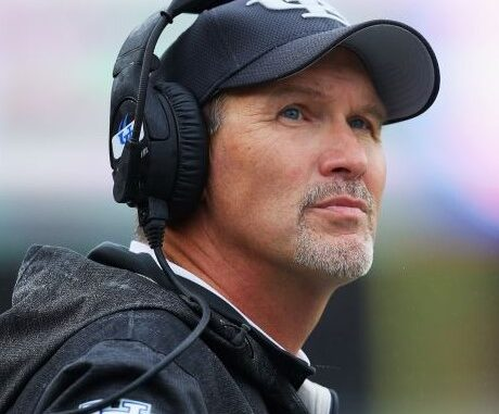 Lance Leipold Wife, Net Worth, Salary 2021, Buffalo Contract, Height, Family, Son, Bio, Wiki