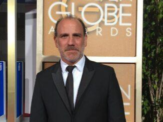Nick Sandow infront of Golden Globe Awards venue