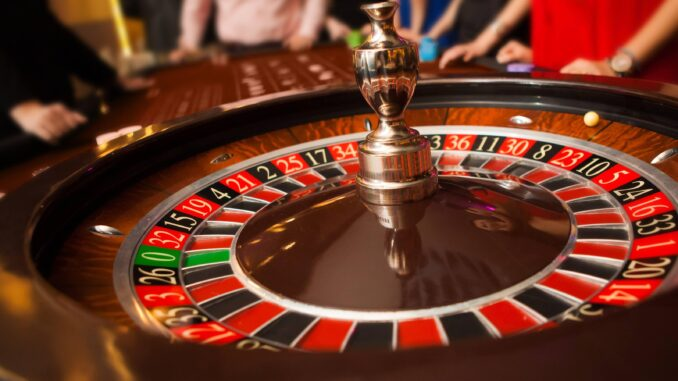 Famous people who love to play online casinos